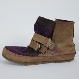 Sorel Brown & Purple Booties Size 10